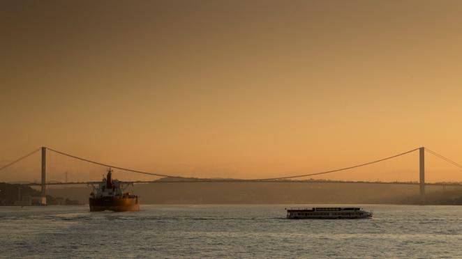 Pierwszy most na Bosforze. Poranek